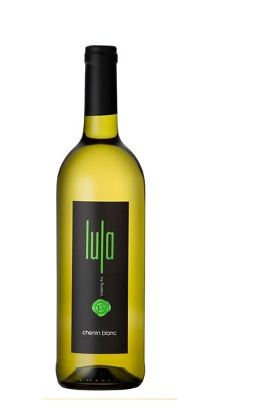 The Lula Chenin Blanc 2018 is a zesty wine, bursting with intense Guava and freshly-cut pineapple flavours, delicately supported by hints of orange blossom, following through to a bold, oily palate of tropical fruit and green apple, beautifully balanced with a lingering finish.